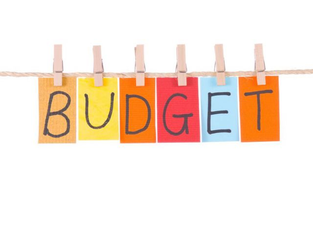 How to Manage Your Finances - Budgeting and Planning for Life - simple budget