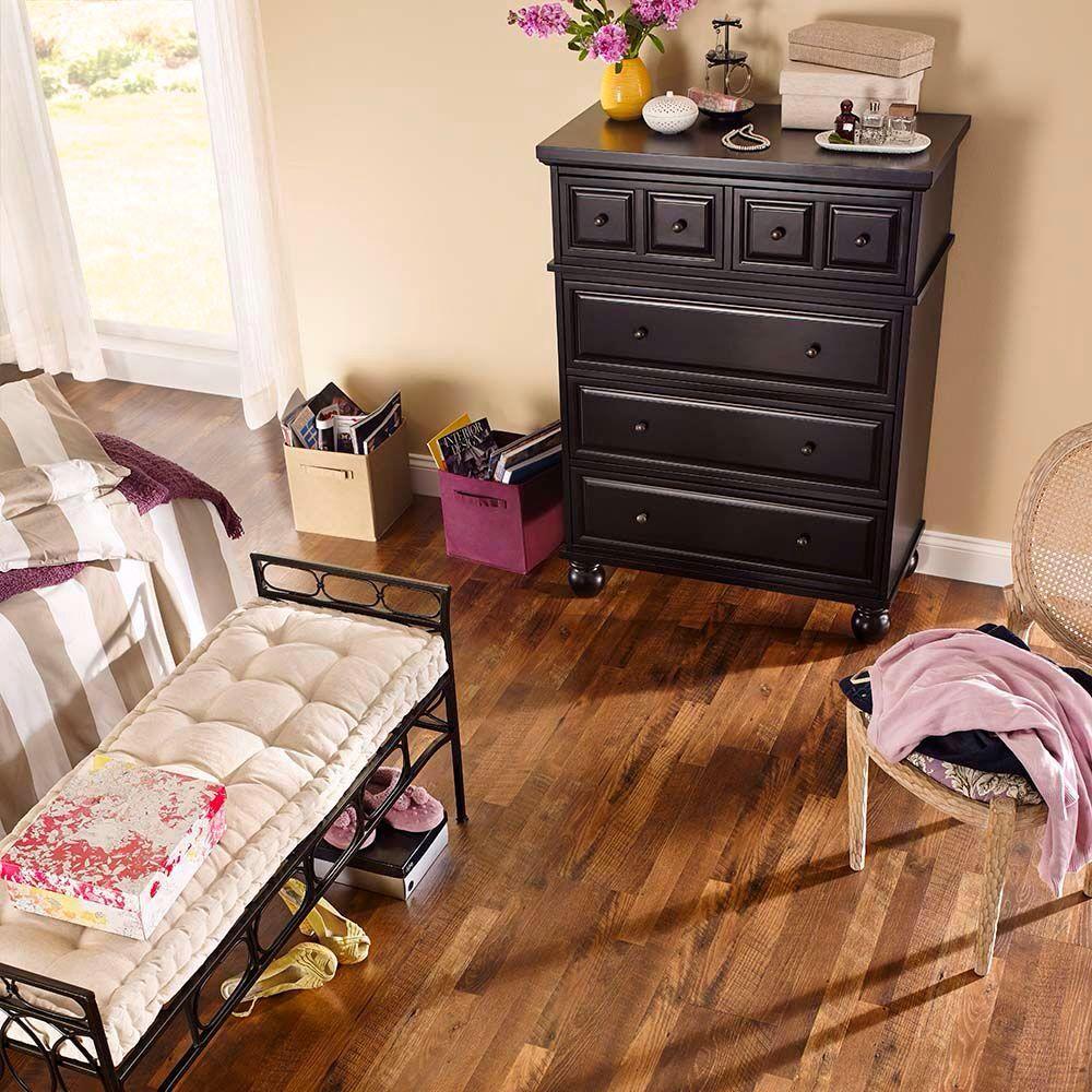 Perego XP Homestead Oak Flooring, Oak laminate flooring