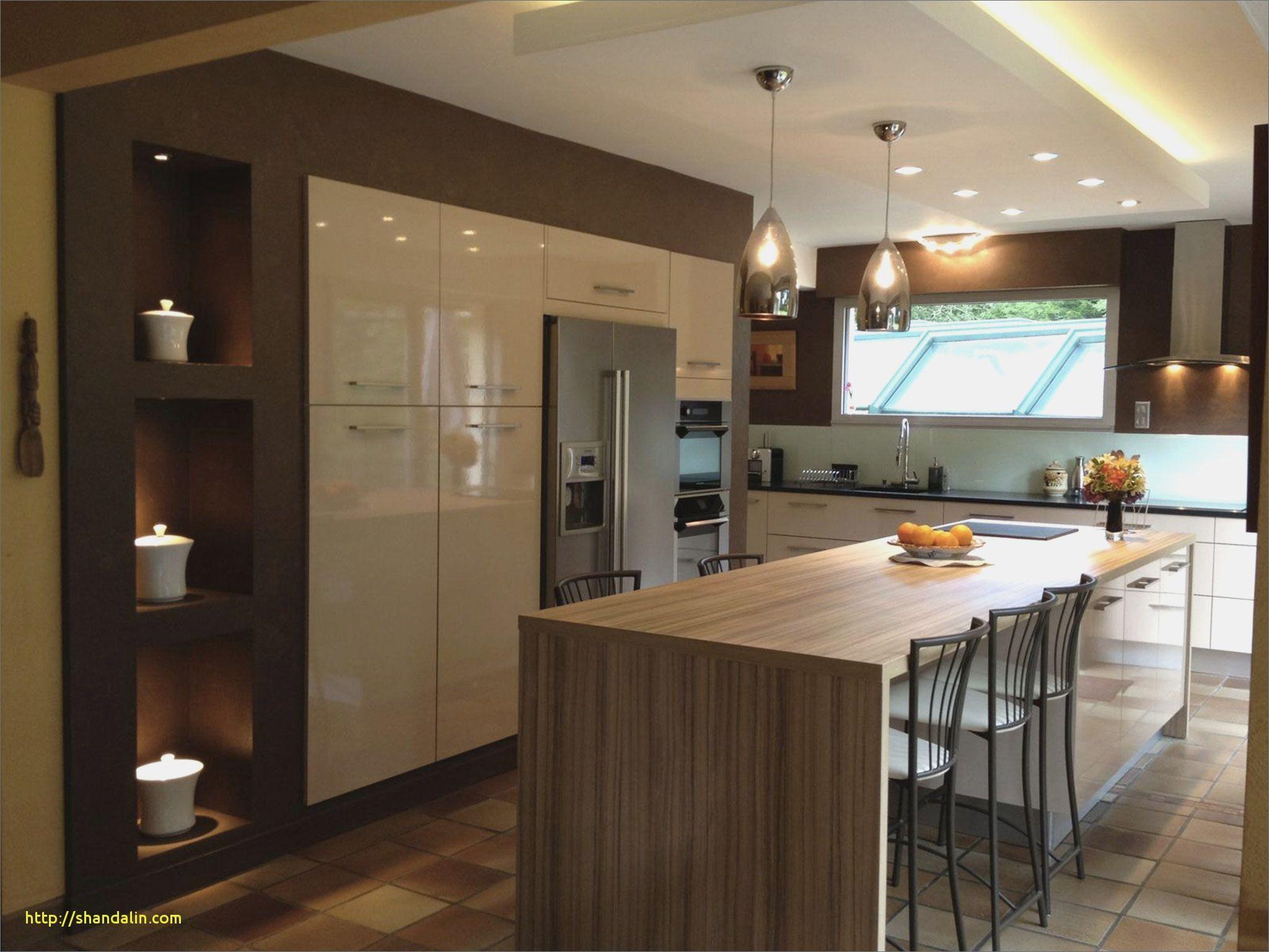 Inspirational cuisine en longueur avec ilot central id es de maison en 2019 central kitchen - Idee cuisine en longueur ...