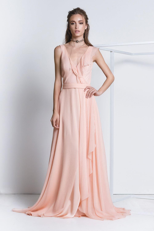 8657babc9 Vestido Lidia Rose. Vestido longo em seda plissada com decote transpassado.  #vestidocasamento #