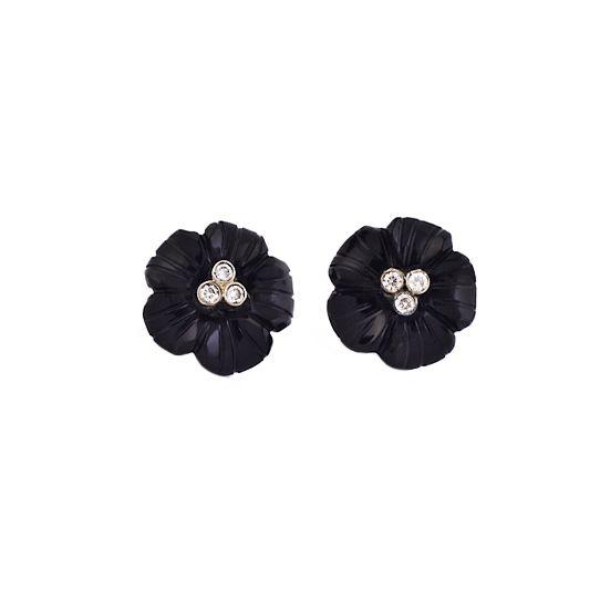 Flower earrings with diamonds. #diamonds #jewelry #jewellery #onyx #earrings