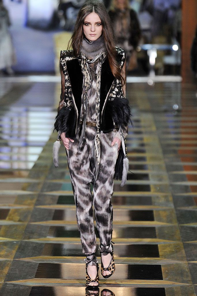 Roberto Cavalli Fall 2010 RTW - Runway Photos - Fashion Week - Runway, Fashion Shows and Collections - Vogue