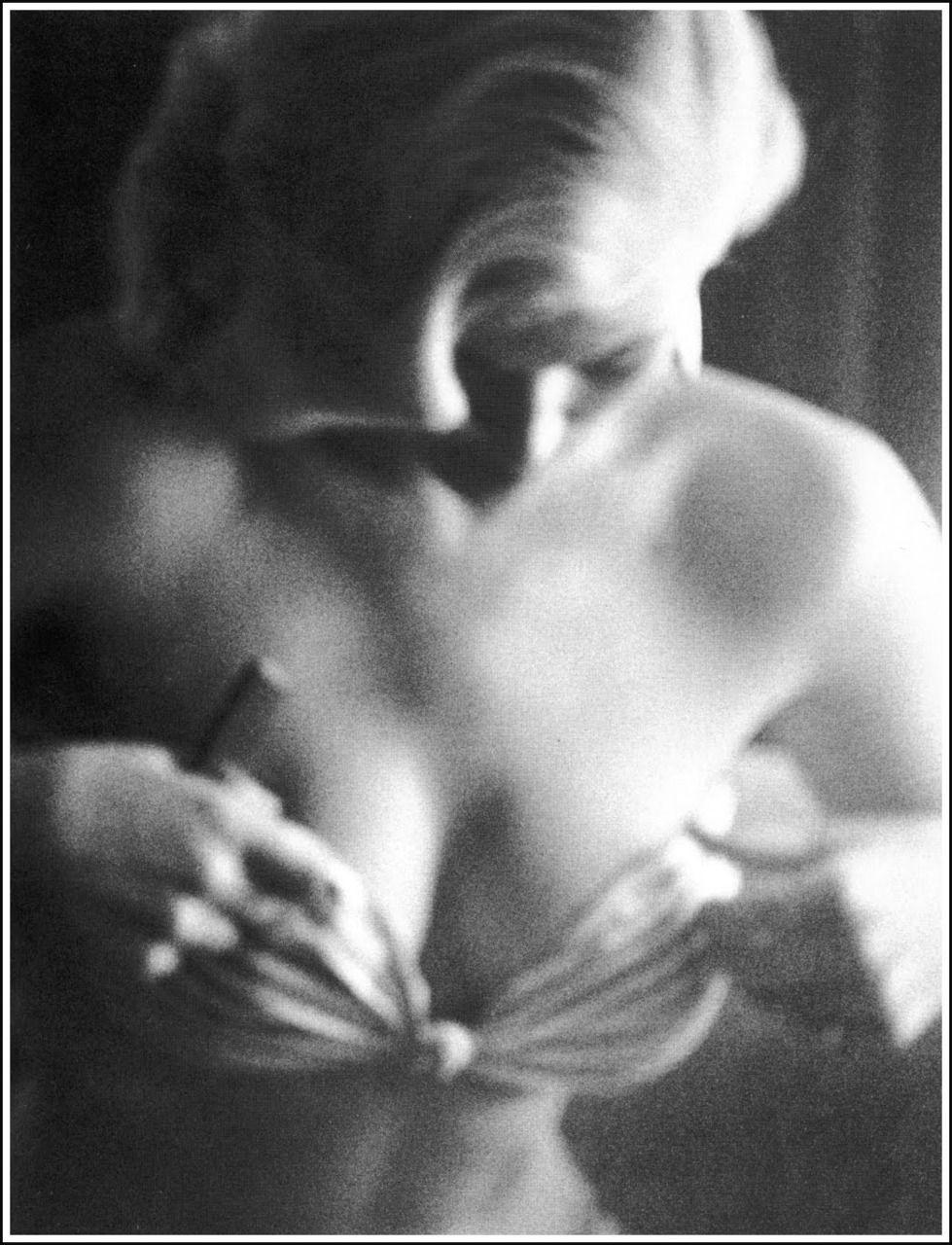 Anita Ekberg By Phil Stern 1956 Anita Desnuda モノクロ