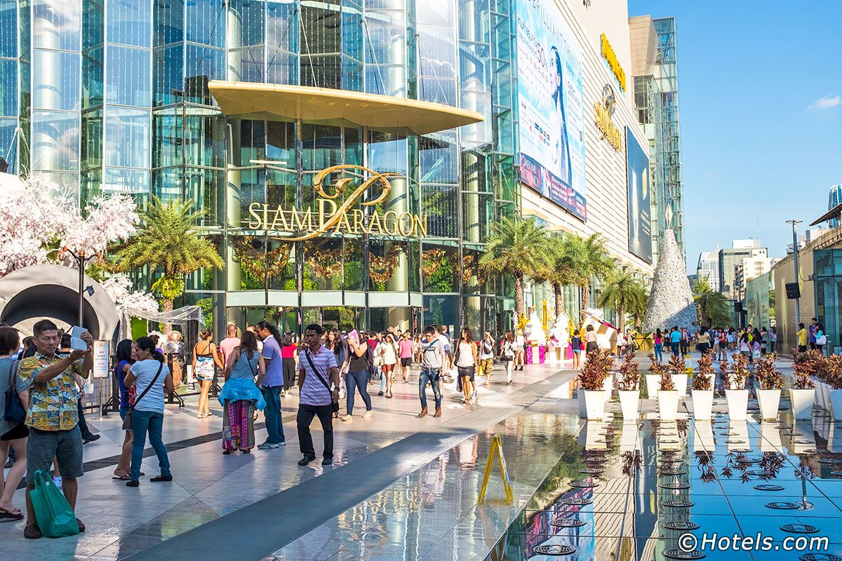 Siam Paragon Is An Immensely Popular Shopping Mall Housing A Host Of International High End Fashion Brand Cool Places To Visit Bangkok Shopping Places To Visit
