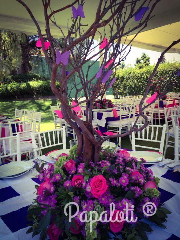 Centros de mesa f ucsa y morados wedding events en for Mesas decoradas para 15 anos
