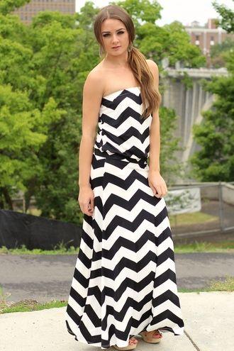 cd041b26523 Black   White Skies Drop Waist Chevron Maxi Dress - 40.00