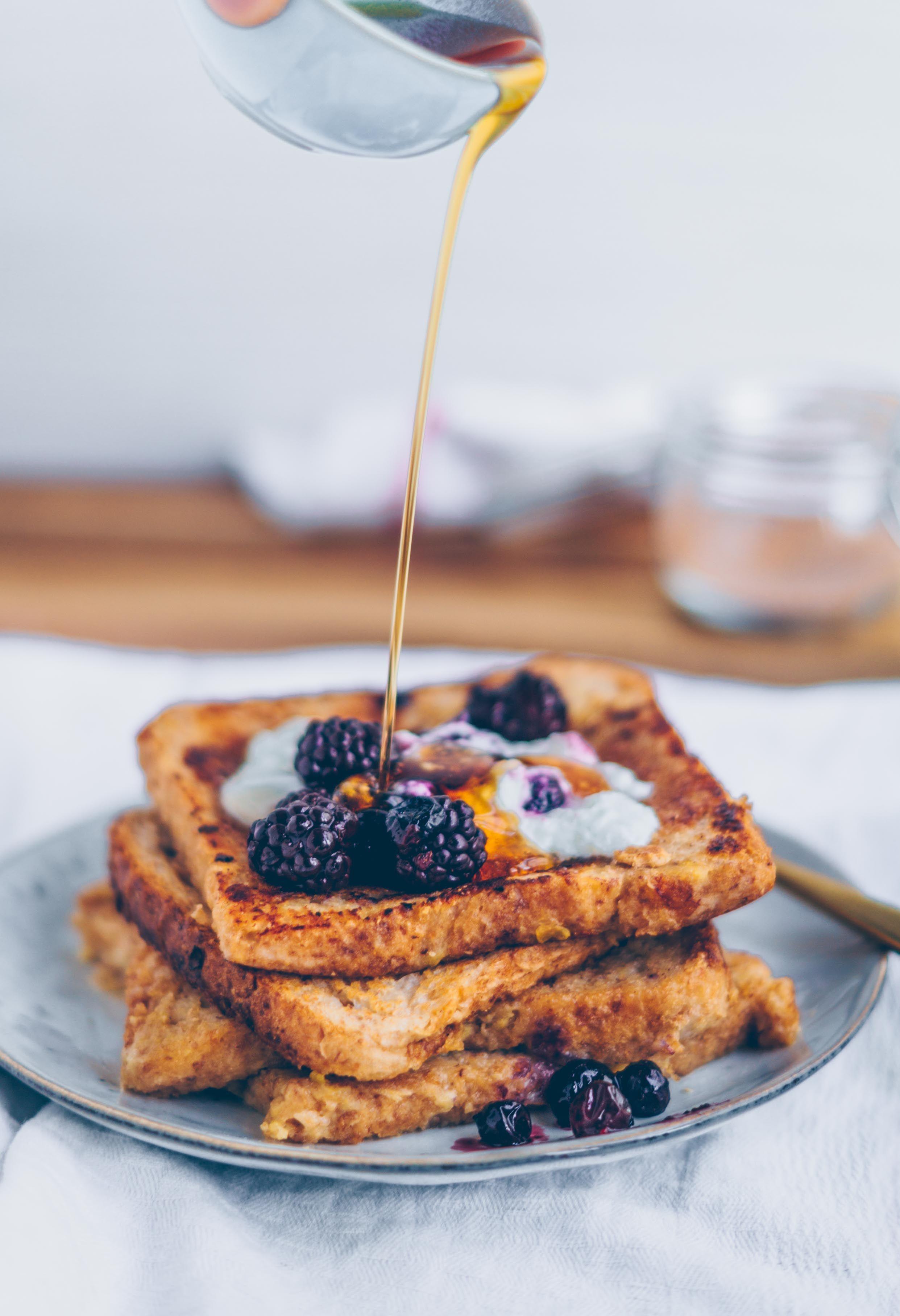 Easy Vegan French Toast Mit Beeren Kompott Rezept Lebensmittel Essen Fruhstucksideen Und Lebensmittelwerbung