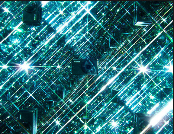 In A Box Full Of Mirrors Trippy Photos Mirror Box Infinite Mirror