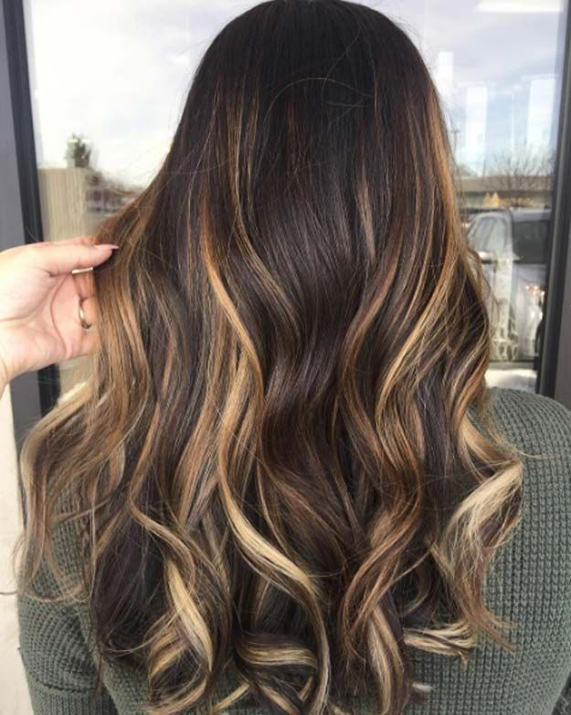 Balayage High Lights To Copy Today Snakebite Simple Cute And Easy Ideas For Blonde Highlights Dark B Balayage Hair Spring Hair Color Hair Color Balayage