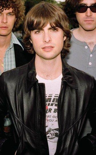 Robert Schwartzman, one of the main reasons I still love the Princess Diaries(;