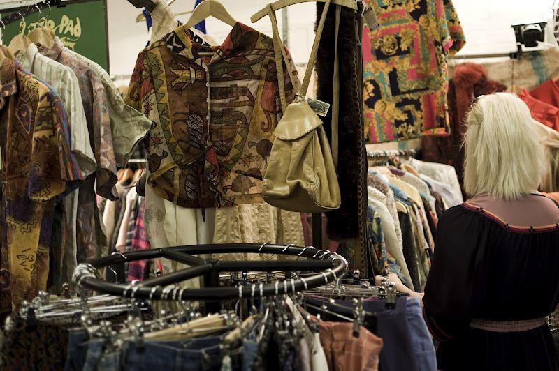 Fashion Your Seatbelts Brick Lane Vintage Clothing Market Vintage Outfits London Market Brick Lane