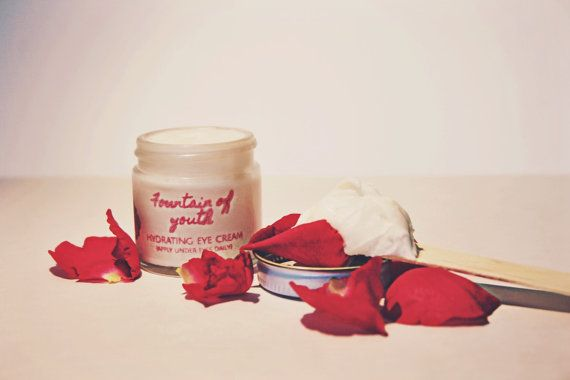 Ballerina Botanicals Fountain of Youth is an anti-aging eye cream with 11 key essential oils to make your skin look radiant, and feel so