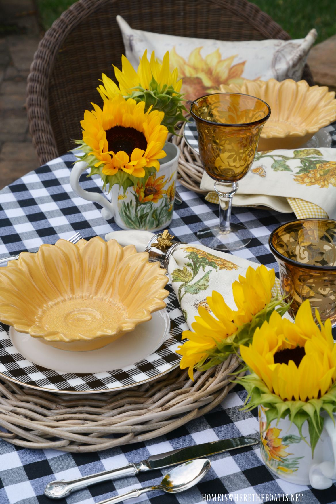 Lakeside Table With Sunflowers And Black And White Spring Table Decor Spring Table Table Decorations
