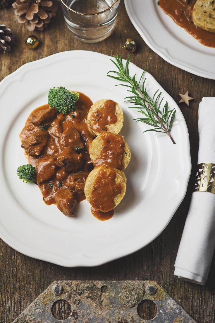 Butter tender cream goulash with napkin dumplings #christmasdinner #dinner #dinnerrecipes #recipes #simpledinner