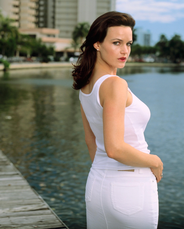 Young Carla nudes (24 foto and video), Pussy, Bikini, Boobs, bra 2006