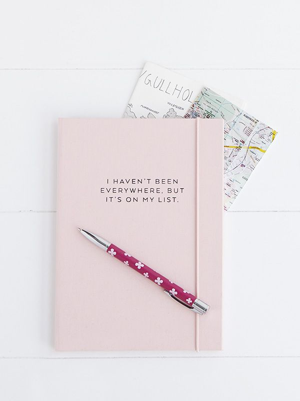Discover this beautiful Travel Journal to help you capture your memories on your big trip around the world - perfect creating for your travel bucket list