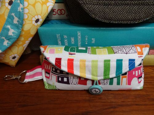 Thread Riding Hood - Sunny Glasses Case Tutorial | bags | Pinterest ...
