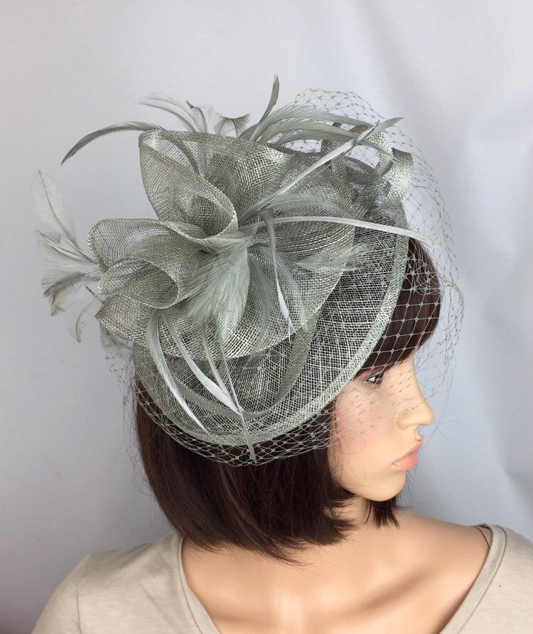 5ab38226 Perfect hair fascinator for any outfit, for a wedding, mother of the bride  or guest, a day at the races, a tea party, bbq, dinner dance or a memorable  ...
