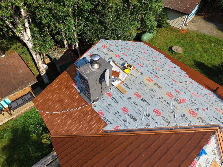 New Copper Metal Roof Metal Roofing Before After Dans Le Lakehouse In 2020 Copper Metal Roof Metal Roof Metal Roof Colors