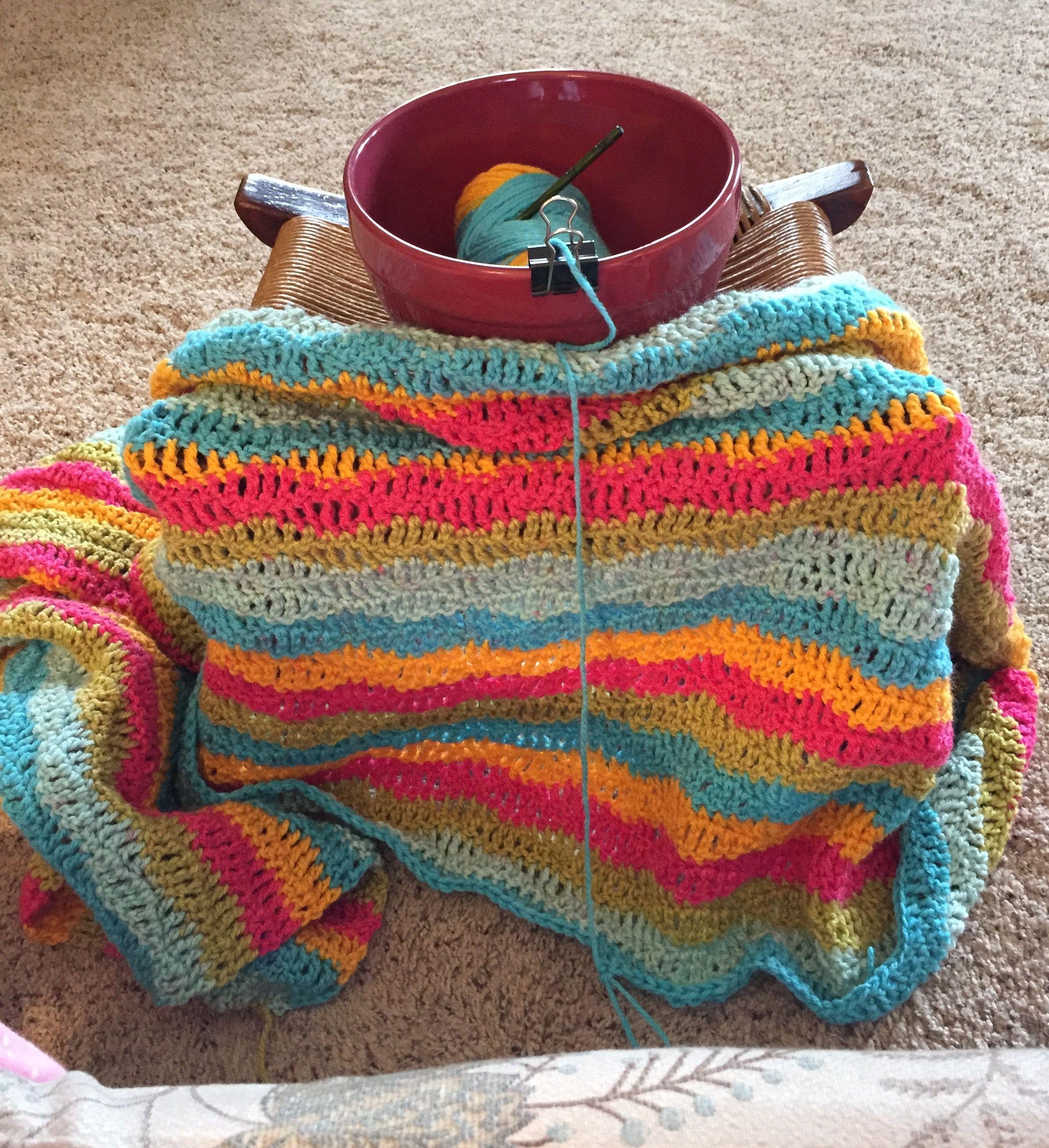 Diy yarn bowl lazy waves afghan using rainbow sherbet