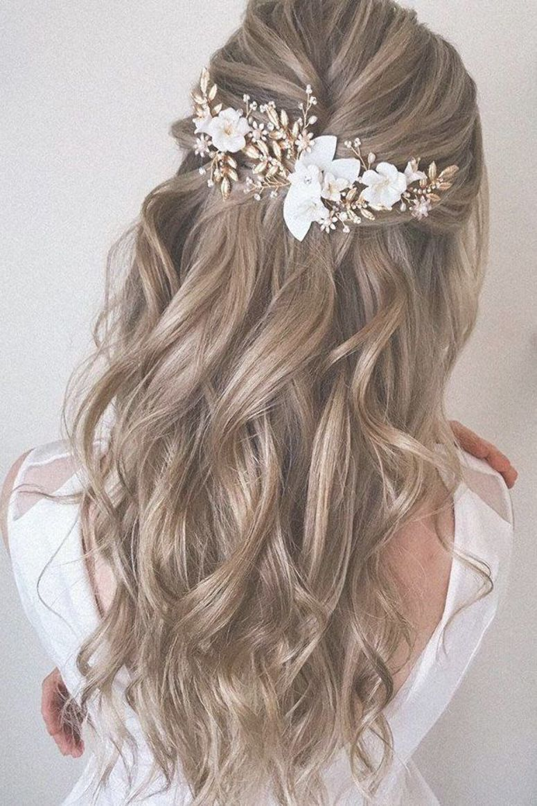 Best Wedding Hairstyle Trends 2019 ❤ wedding hairstyle on curly blonde hair half up half down with accessories  #weddingforward #wedding #bride #weddinghair #weddinghairstyletrends #hairpiecesforwedding