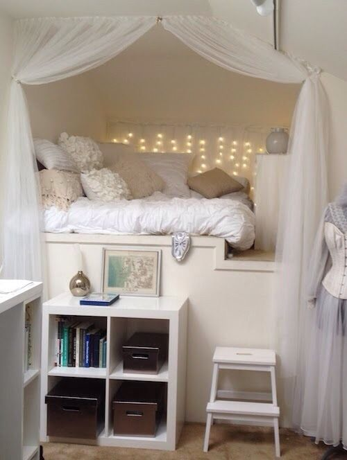 Cozy bed canopy modern day hideaways pinterest for Cozy bed ideas