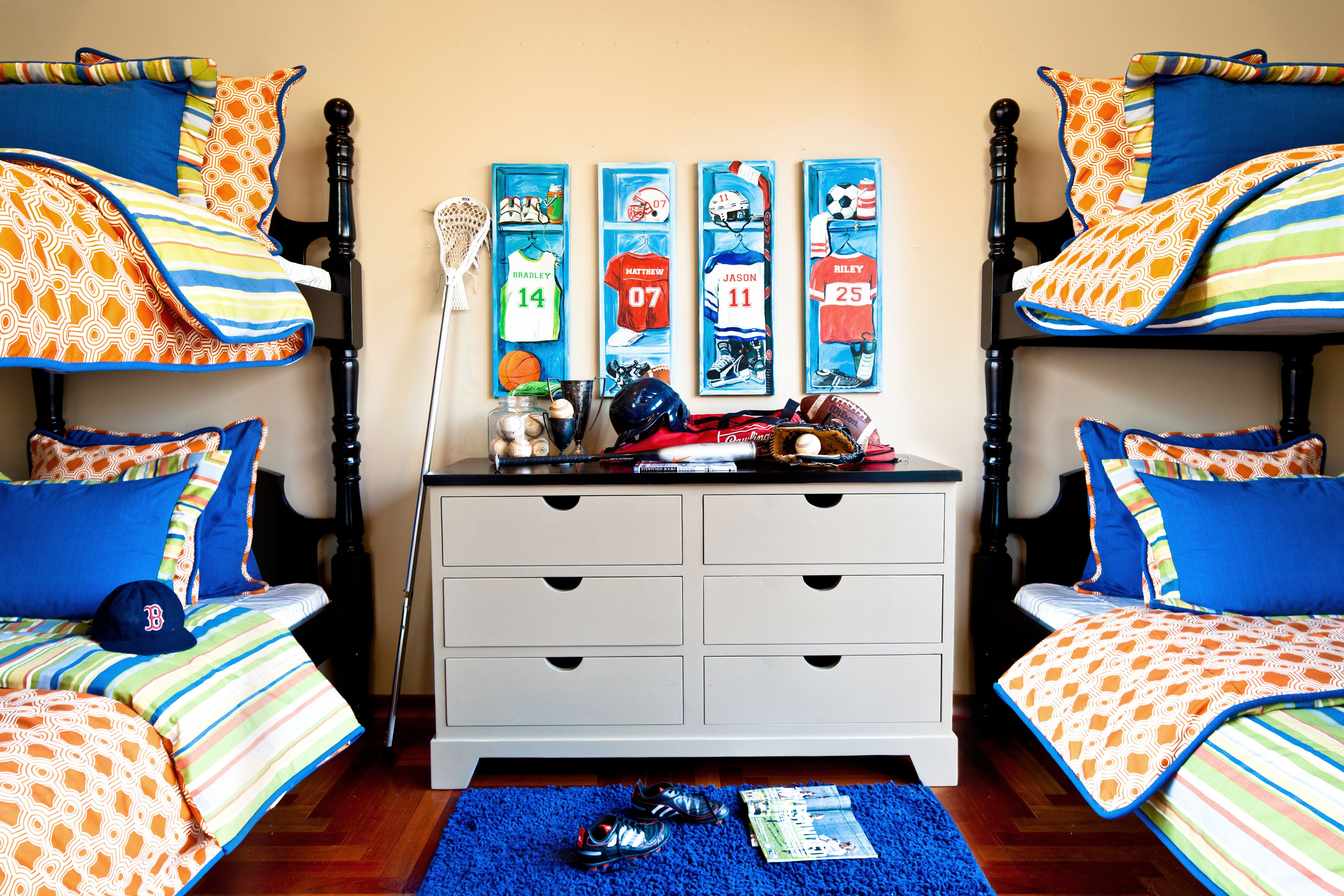 Bunk room! Boy sports bedroom, Sports bedding, Sport bedroom