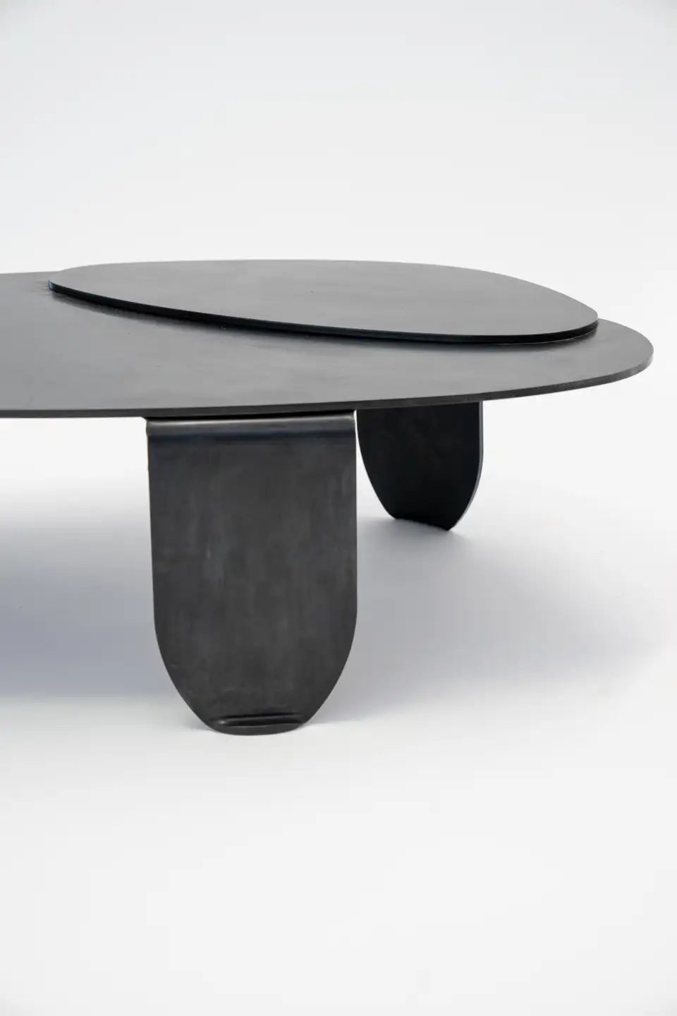 Black Modern Contemporary Blackened Steel Circular Organic Shape Coffee Table In 2020 Contemporary Coffee Table Modern Coffee Tables Contemporary Decorative Objects