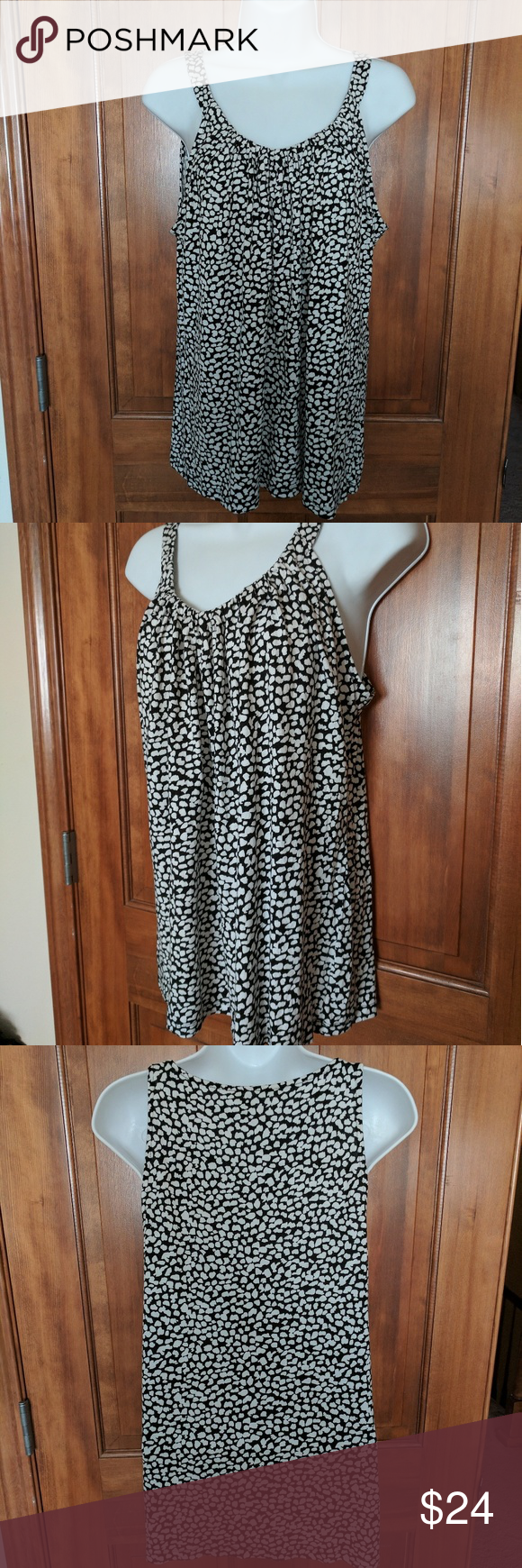Banana Republic Strappy Roushed Neck Tank Fun black and white cotton tank to with subtle gathering along the front neckline. Soft and ready to wear.  Questions welcome. Banana Republic Tops Tank Tops