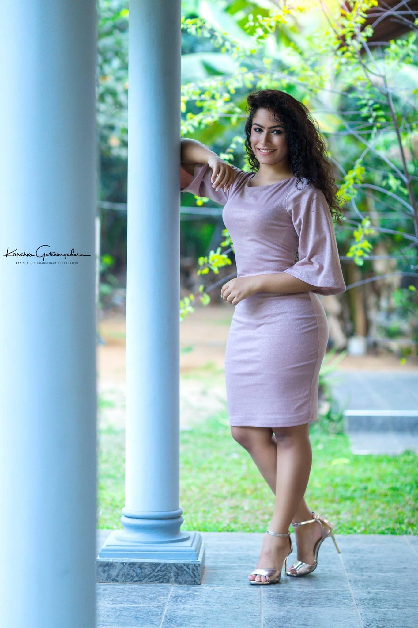 Lk sl girls Sri Lankan