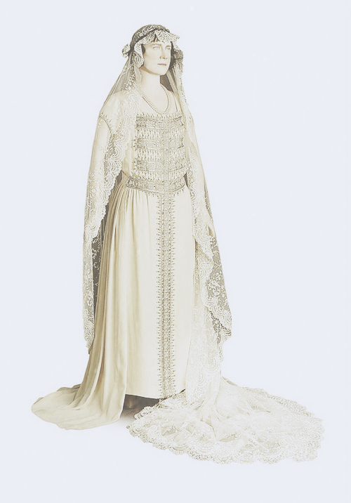 When Lady Elizabeth Bowes Lyon Married Prince Albert The Duke Of York On April 23 1923 At Westminste Royal Brides Wedding Dresses Vintage Historical Dresses