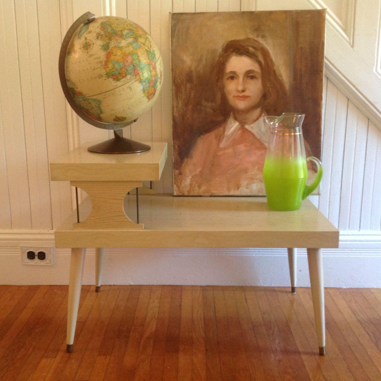 Best Mid Century Danish Modern End Table 1950S Vintage Blonde 640 x 480