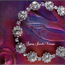 Sparkling Vintage White Ice Rosettes Bracelet