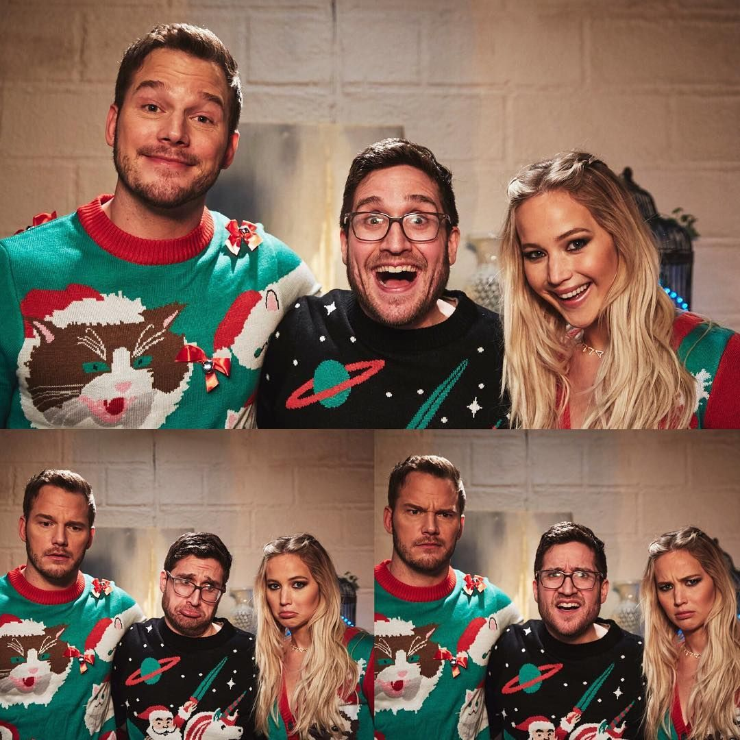 In \'Ugly\' Christmas sweaters | CELEB CHRISTMAS! in 2018 | Pinterest ...