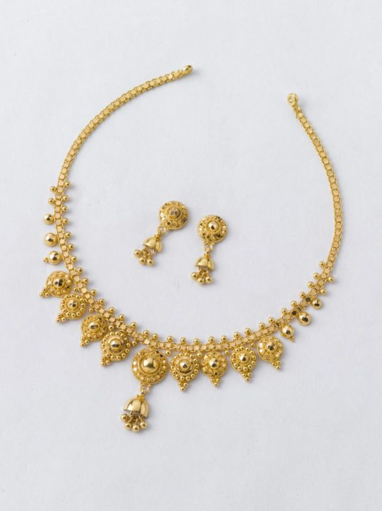 Planning To Buy Something New For Nabobarsha How About This Necklace 11 12 100 Gold Jewelry Fashion Gold Jewelry Simple Necklace Gold Earrings Designs