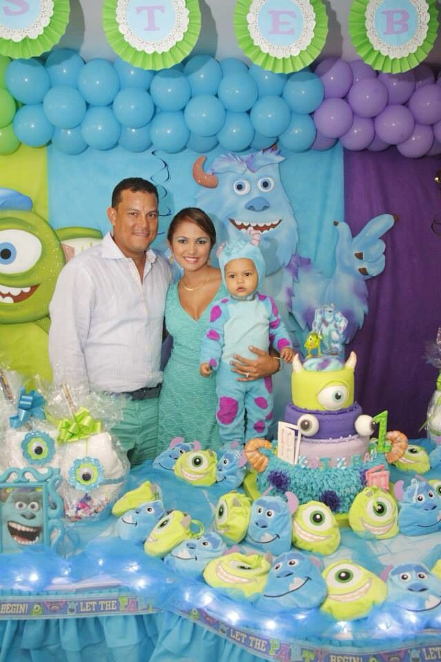 Familia Ashers 1st Birthday Monster Birthday Parties