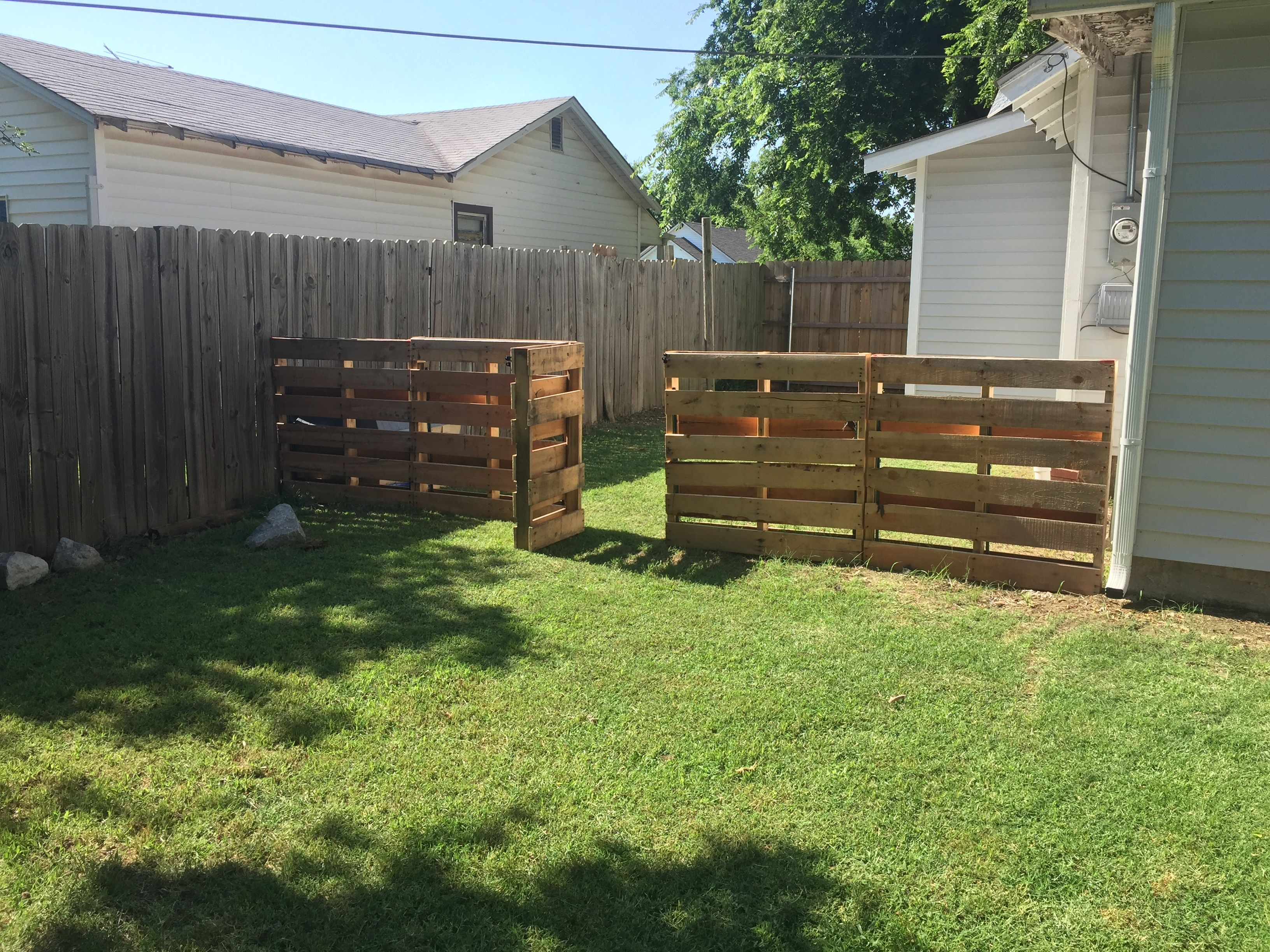 Diy Pallet Dog Fence Simple And Low Cost Dog Fence
