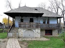 Imagini pentru casa romaneasca veche