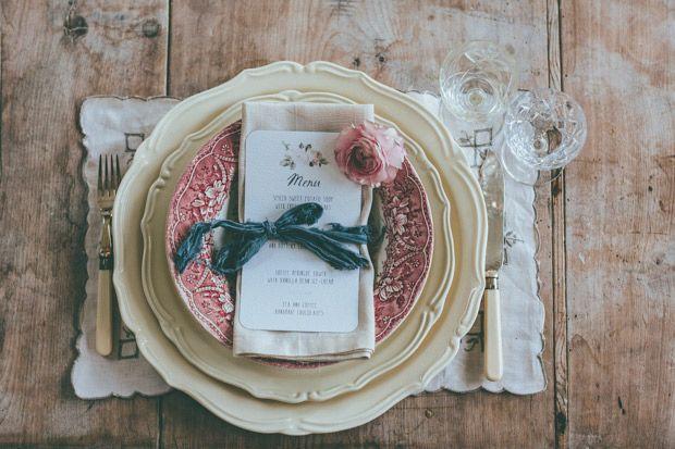 ビンテージ ウェディング。ロマンチックで素敵な披露宴テーブル  | onefabday.com