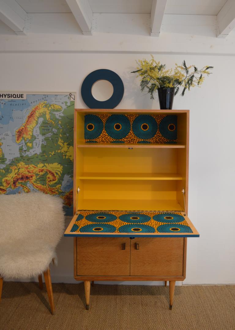Commode Vintage Domitille Relooking De Meubles Vintage Nantes En 2020 Mobilier De Salon Meuble Vintage Commode Vintage