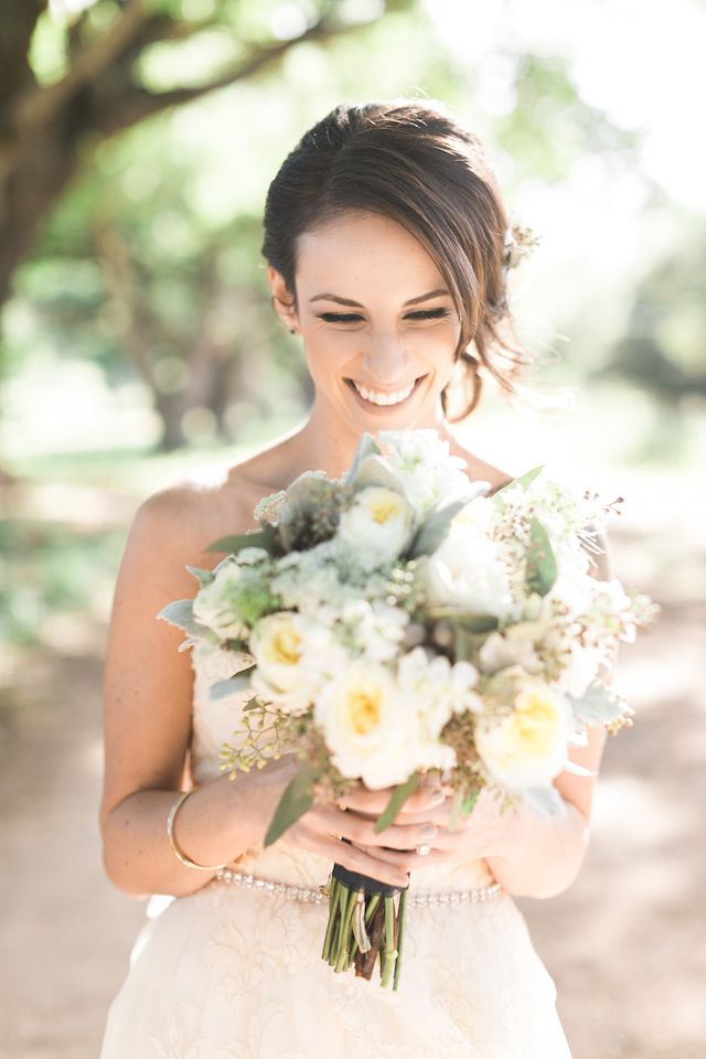 White peony bridal bouquet | Rebecca Arthurs Photography | see more on: http://burnettsboards.com/2015/04/oahu-ranch-wedding/