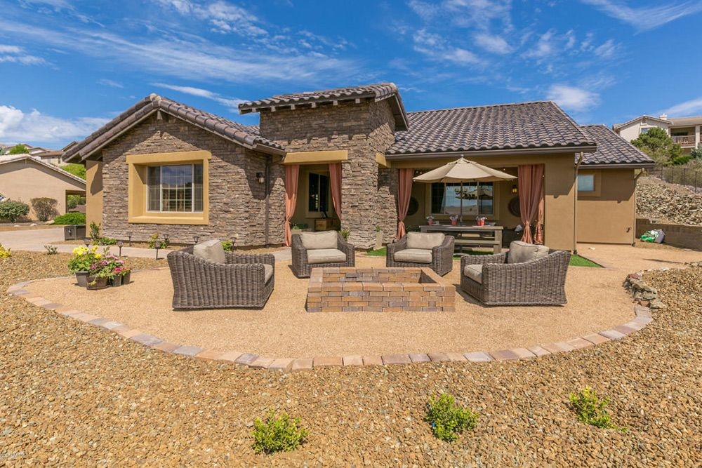 13 Stunning Homes For Sale That Are America S Average House Size Real Estate 101 Trulia Blog House Prescott Arizona House Styles