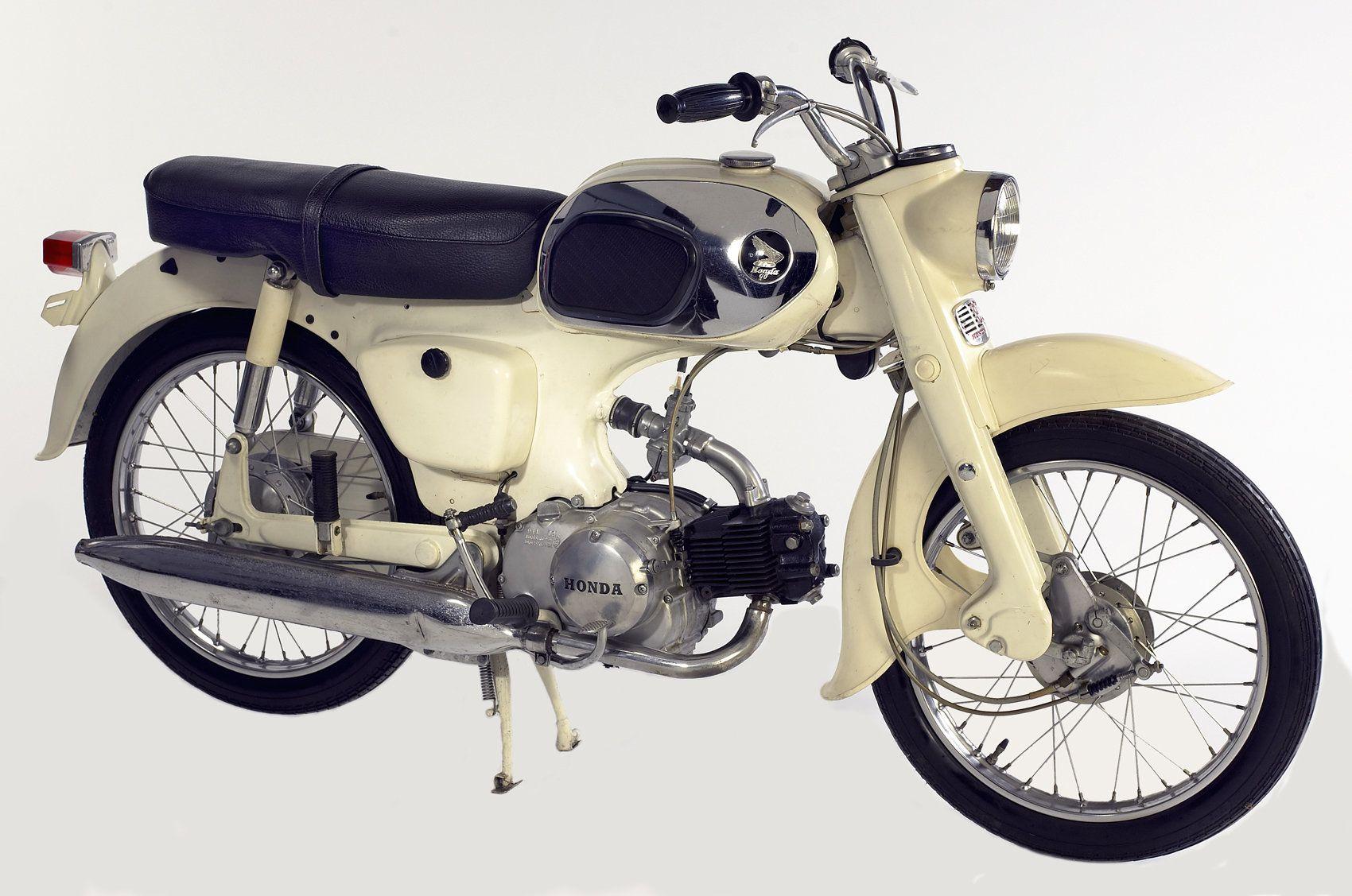 1965 C200 Honda Museum Com Vintage Honda Motorcycles Honda Motorcycle Parts Motorcycle