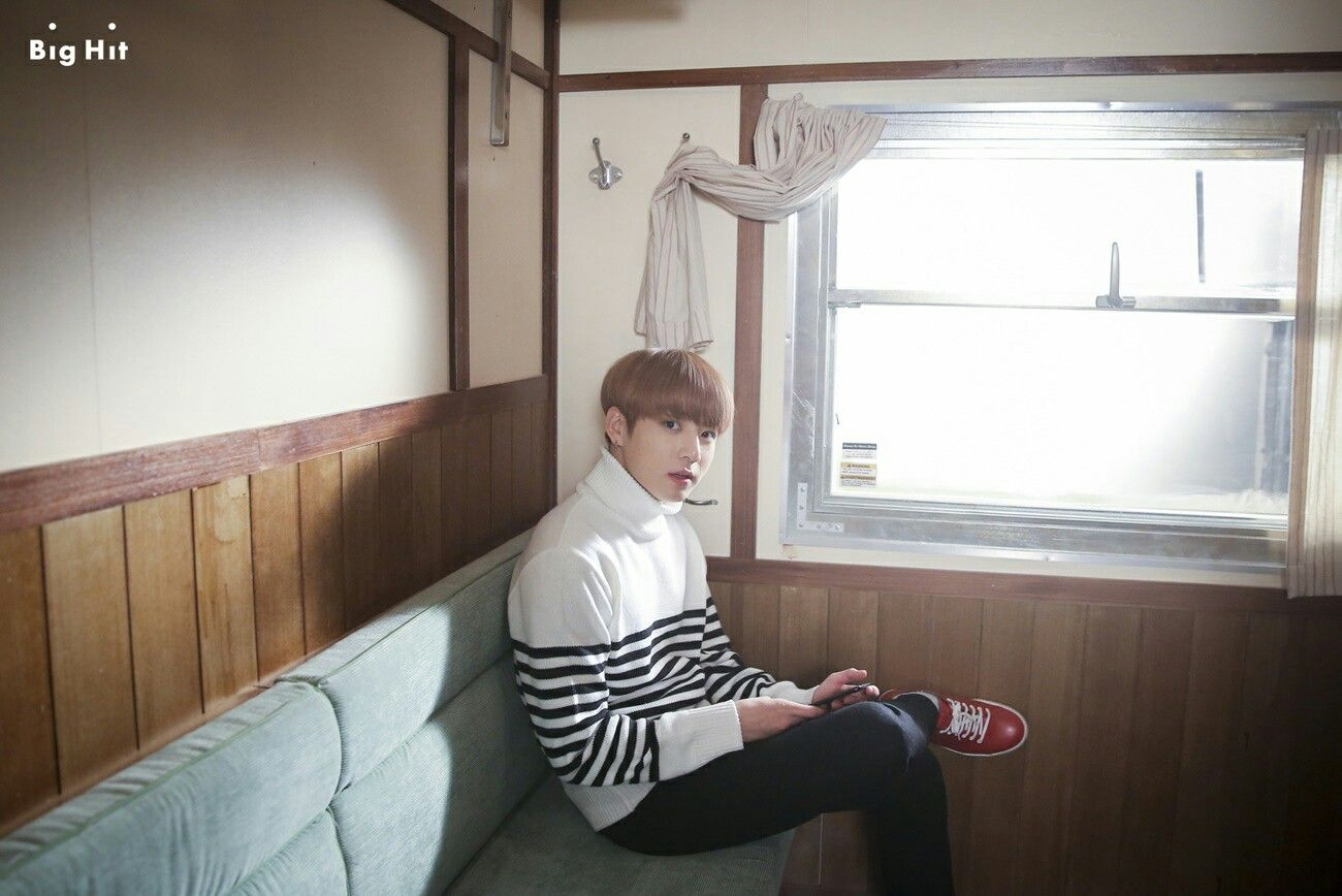 Jungkook ❤ BTS On Set Of The '봄날 (Spring Day)' MV (Naver STARCAST Article - m.star.naver.com/bts) #BTS #방탄소년단