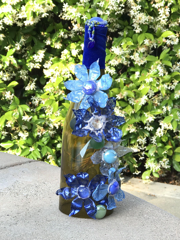 Blue flower lighted wine bottle in 2020 lighted wine