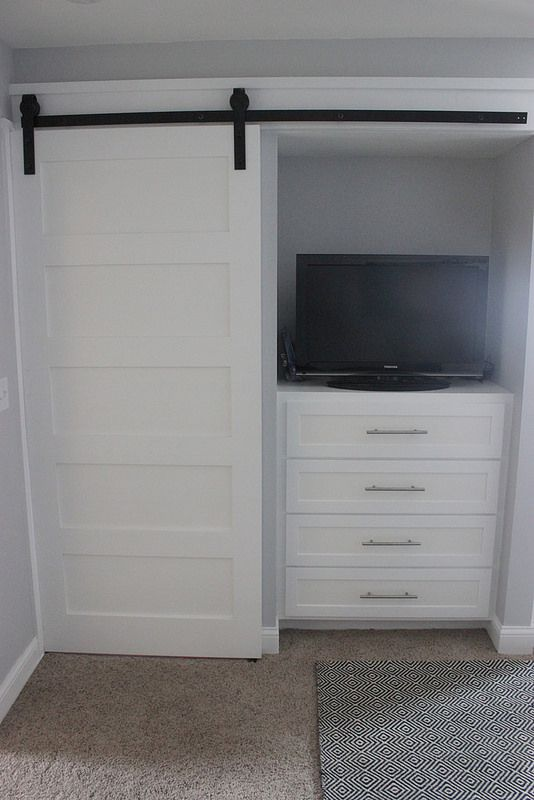 TV On Dresser In The Closet   Love The Clean Look