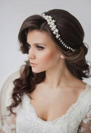 Im in love!! Wedding hairgasm!! Hair jewelry ♡♡