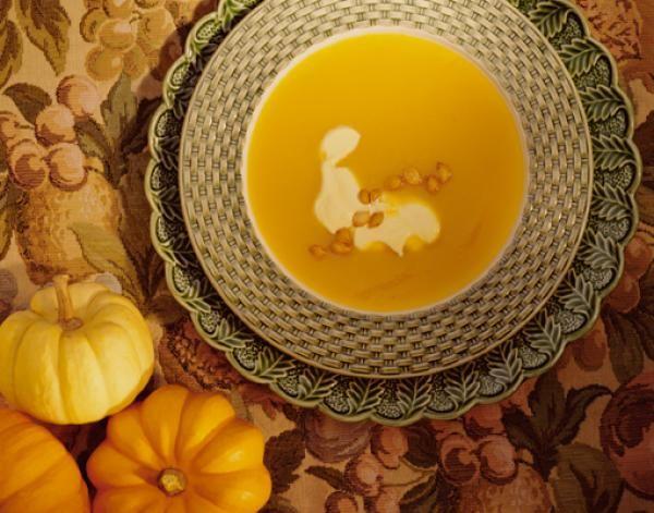 Savory Pumpkin Pie Soup with Cinnamon Marshmallow Recipe | http://aol.it/XxVKu8