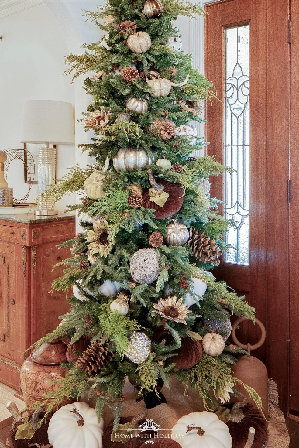 My Simple Thanksgiving Tree With Pumpkins And Pinecones Home With Holliday Christmas Tree Decorations Thanksgiving Tree Fall Christmas Tree