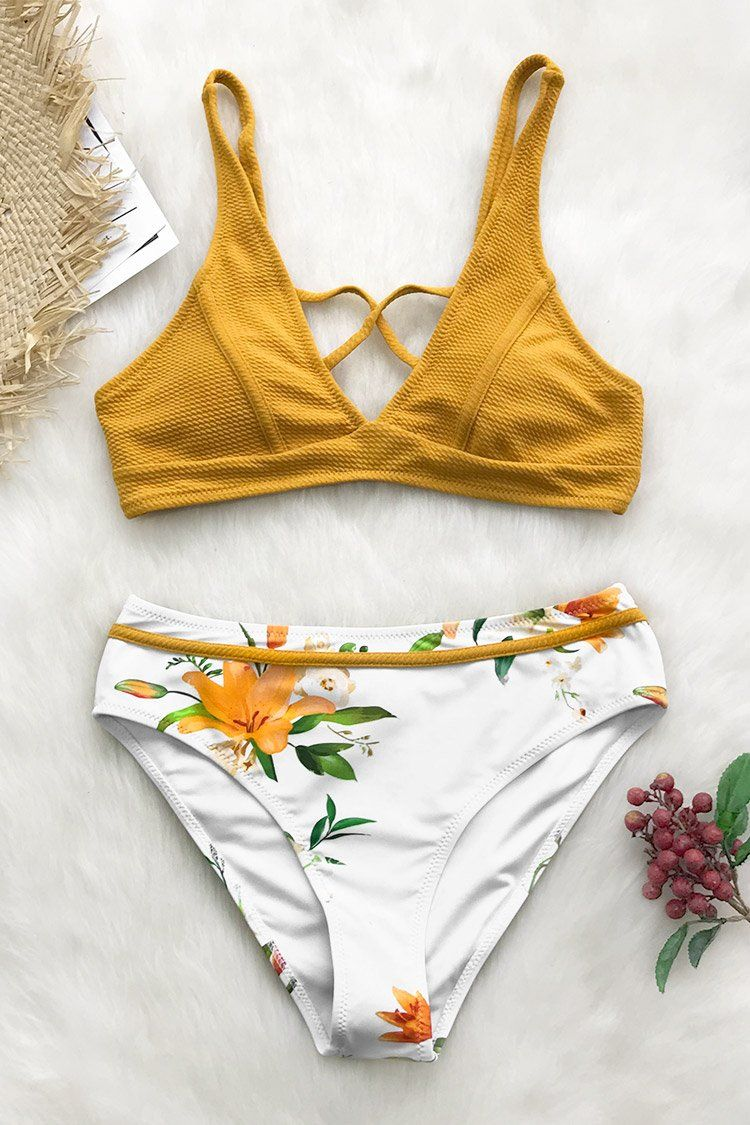 0bf09da981 Cupshe - Live Life On The Beach | Outfits & Swim in 2019 | Floral ...